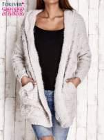 Szary włochaty sweter z kapturem                                  zdj.                                  1