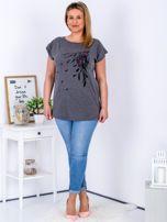 T-shirt ciemnoszary z nadrukiem boho PLUS SIZE                                  zdj.                                  4