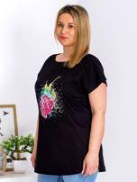 T-shirt czarny z truskawką PLUS SIZE                                  zdj.                                  5