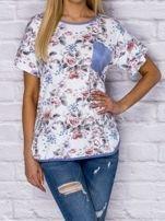 T-shirt damski w motywy kwiatowe z kieszonką                                  zdj.                                  1