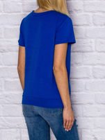 T-shirt damski z wiązaniem i naszywkami ciemnoniebieski                                  zdj.                                  2