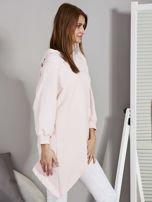 Tunika damska z kapturem z asymetrycznym dołem różowa                                  zdj.                                  5