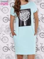 Turkusowa sukienka dresowa ze srebrnym printem drzewa                                  zdj.                                  1