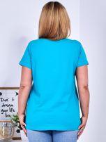 Turkusowy t-shirt z błyszczącymi gwiazdami PLUS SIZE                                  zdj.                                  2