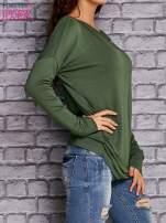 Zielona bluzka z lejącym dekoltem                                  zdj.                                  3