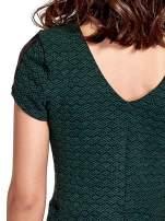 Zielona sukienka z czarną falbaną                                  zdj.                                  6