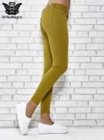 Zielone spodnie typu skinny z elastycznego materiału                                  zdj.                                  3