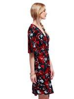 Zielono-czerwona sukienka w kwiaty z kopertowym dekoltem                                  zdj.                                  3