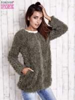Zielony futrzany sweter kurtka na suwak                                  zdj.                                  2