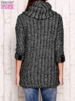 Zielony melanżowy sweter z szerokim golfem i kieszeniami                                                                           zdj.                                                                         4
