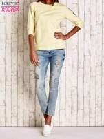 Żółta bluza z naszywkami na rękawie                                  zdj.                                  2