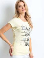 Żółta koszulka damska z nadrukiem                                  zdj.                                  3