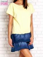 Koralowa sukienka dresowa z jeansowym dołem