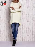 Biała tunika z kieszeniami
